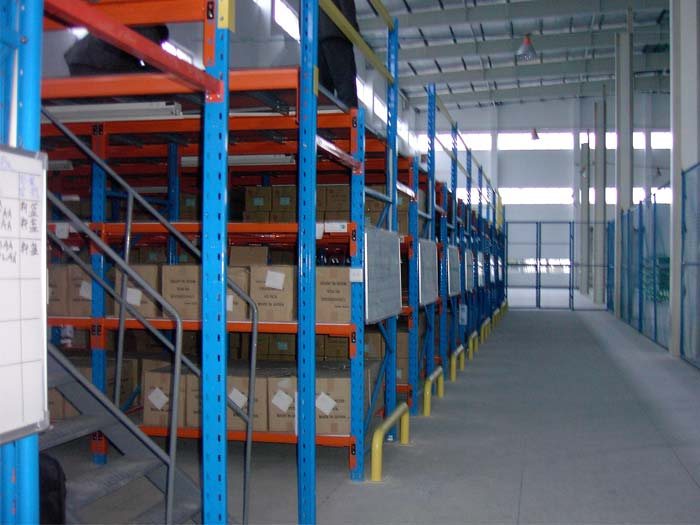 What should be paid attention to when planning pallet racking mezzanine floors