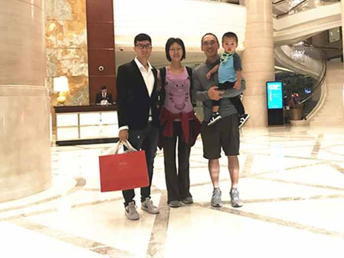 An American customer came to visit us in Shanghai