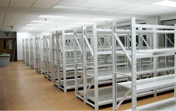 Application of light duty storage racking in warehouse