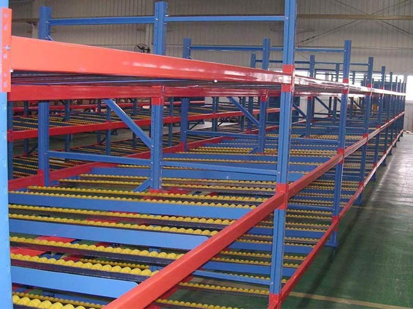 How does steel carton live racking work
