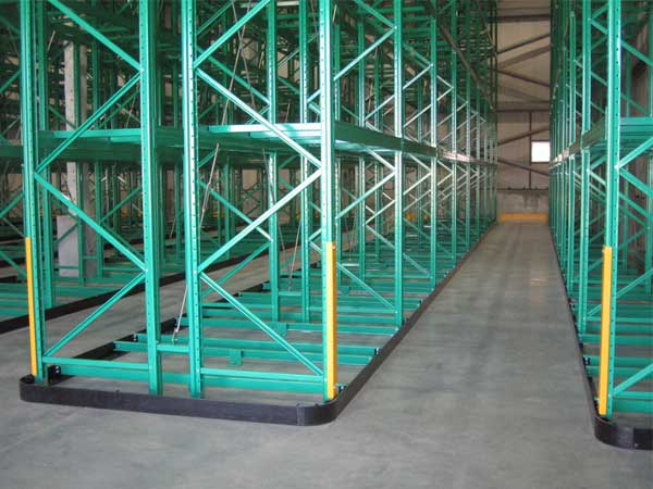 The structure characteristics of narrow aisle pallet racking