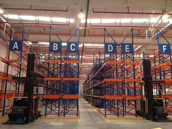 What are the uses of heavy pallet shelves