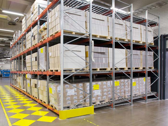 Heavy duty push back pallet racking system for sale