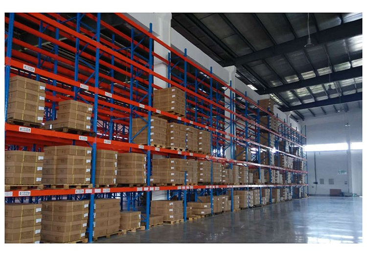 Drive-in pallet racking for food industry
